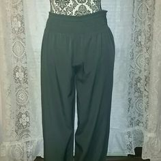 Aerie Silk Bloomers Harem type pant. Silky Heather grey. Super comfortable. Can dress up or down. Never worn. Brand new without tags. aerie Pants Ankle & Cropped
