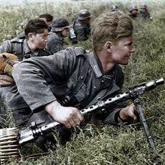 Soldats allemands prêts pour le combat. Ww2