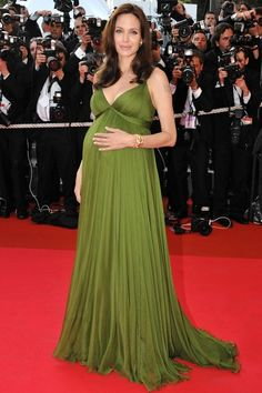 Maternity Outfit Ideas: The Most Stylish Celebrity Maternity Style Beautiful Maternity Dresses, Stylish Maternity, Maternity Gowns, Maternity Fashion, Nice Dresses, Pregnancy Looks, Pregnancy Outfits, Celebrity Maternity Style, Pregnant Celebrities