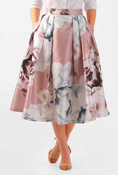 Our floral print dupioni is designed with a pleated full skirt for a pretty, feminine party look. Our floral print dupioni is designed with a pleated full skirt for a pretty, feminine party look. Modest Outfits, Skirt Outfits, Modest Fashion, Dress Skirt, Fashion Dresses, Rock Outfits, Emo Fashion, Fashion Blouses, Fashion Women