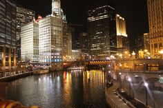 Chicago at night. Beautiful. What a polite and calm city centre.