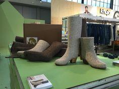 #DamesMode  @fashion vilt boots Hunter Boots, Rubber Rain Boots, Felt, Wool, Shoes, Fashion, Moda, Shoes Outlet, Fashion Styles