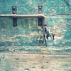 Detail Fermo Stripe Festival art and architecture | main door |