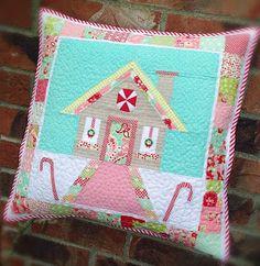 lovely little handmades: the scrumptious cottage pillow