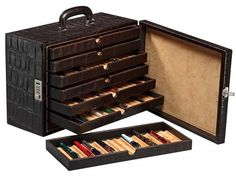 Fountain pen briefcase , (91 fountain pens). Good morning #LeatherLovers !  Today we would like to share with you one of our most special leather goods.  This fountain pen briefcase is perfect for those fountain pen lovers who like to keep safe their fountain pens and at the same time they can comfortably carry them anywhere.  http://absolutebreton.es/en/shop/fountain-pen-briefcase-91-fountain-pens-p-134.html  #FountainPens #HandmadeLeatherGoods @AbsoluteBreton