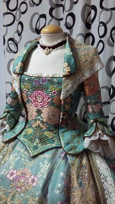 Marga Noguera – Indumentaria Valenciana y Alta Costura | Medieval Dress Pattern, Rococo Dress, Fairytale Dress, 18th Century Fashion, Mode Vintage, Fashion Sewing, Historical Clothing, Victorian Fashion, Cosplay