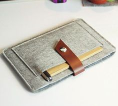 Fancy - Felt and Leather Cover for iPad