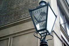 Quirky London Walking Tour and Two Course Pub Meal for Two | Activity Superstore