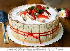 Sbriciolata di wafer con fragole e panna torta veloce, ricetta torta fredda senza forno, facile da preparare, torta sbriciolata, mascarpone, torta alle fragole