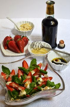 ITALIAN FOOD - INSALATA DI FRAGOLE, SONCINO E ROBIOLA (Strawberry Salad with Lettuce and Soft Cheese)