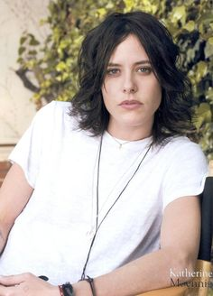Saw Kate Moennig in Laurel Canyon, LA with pretty much this exact hairdo and T. Gotta love LA