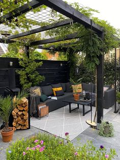 Small Backyard Design, Backyard Patio Designs, Small Backyard Landscaping, Backyard Pergola, Backyard Ideas, Boho Garden Ideas, Modern Pergola Designs, Back Garden Design, Patio Ideas