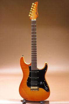 Marchione Guitars[マルキオーネ ギターズ] Vintage Tremolo Drop Top Swamp Ash Body SSH/Honey Burst|詳細写真