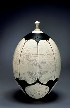 Andy Smith raku jar 343cm x 530 cm. Found on Venice Clay Artists website.  Visit this site blog for articles and images on clay work and workers!