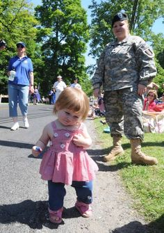 Brookfield marks Memorial Day with parade