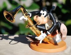"WDCC Disney Symphony Hour Goofy ""GOOFY'S GRACE NOTES"" SCULPTURE MIB COA #disney"