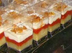 Vasitos berenjena,crema queso y mermelada tomate