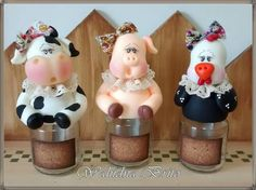 Trio de potes tempero Pig Crafts, Diy And Crafts, Cow Decor, Cake Decorating With Fondant, Clay Jar, Cute Clay, Country Crafts, Pasta Flexible, Polymer Clay Projects