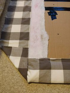 Learn how to make a cheap & easy DIY upholstered headboard with tufting, using simple materials you have at home. No powertools and no sewing needed. Cardboard Headboard, Cheap Diy Headboard, Diy Tufted Headboard, How To Make Headboard, Fabric Headboards, Do It Yourself Headboards, Full Size Duvet Cover, Bunk Bed Plans, Bunk Beds