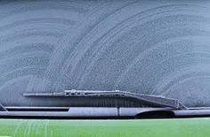 1118e5b116 Το απόλυτο κόλπο για να καθαρίσετε τον πάγο από το παρμπρίζ του αυτοκινήτου  σας (Βίντεο)