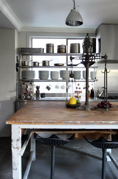 i want an industrial kitchen...no cabinets!