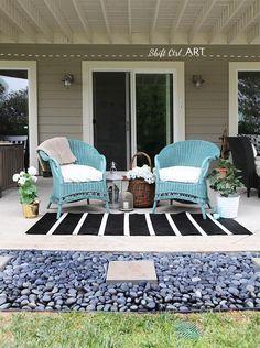 DIY Furniture : DIY Wicker chairs spray painted with a spray gun