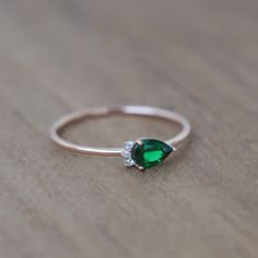 green garnet ring, pear engagement ring, green stone ring, pear ring, green garnet jewelry, tsavorite ring, green garnet with diamond ring