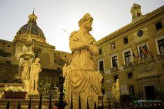 Piazza Pretoria w Palermo. Fontanna Wstydu #Palermo #Sycylia #Włochy Więcej na nasyzm blogu: http://gdziewyjechac.pl/22773/co-warto-zobaczyc-w-palermo-top-10-atrakcji-i-zabytkow.html