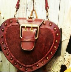 #Fashion #materials #clothing #dresses #pants #shoes #sliponshoes #bags #clutchbag #tshirts #sweatshirts #fabrics #ethnics #jewelry #accessories #frombangkoktotheworld #markets #designers #wholesale #factories #deepwear