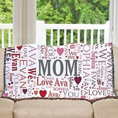 Personalized Mom Tapestry Throw | whatgiftshouldiget.com