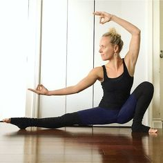 For day 9 #LetsSplitsUp we'll continue stretching and opening our hamstrings and hips with skandasana.  Keep your hands on the floor if you need them for balance. Stay on the ball of your foot (of your bent leg) if you can't comfortably get into a full squat or you can try rolling up a blanket under your heel for support.  Check in with @bethefoz for a different variation.  Follow all hosts: @alexzandrapeters  @baileyactive  @bethefoz  @yoga_mami  And all sponsors: @aloyoga  @dharmayogawheel…