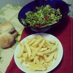 :-D buon appetito. .. #potatochips#cucinaitaliana#fastfood#good#kitchen#gnam#likes#love#patatinefritte#cucinanapoletana