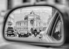 Оперный театр глазами таксиста. Автор #фото: @sytnik_igor.  #Одесса #опера #bnw #bw #bnw_captures #Odessa #odessagram