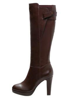 Megan Flache, kniehohe Stiefel mit Fransen und Bindung   Boohoo