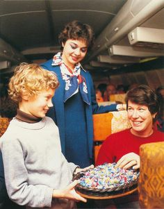 Air New Zealand giving out pre-landing lollies, 1970s @FlyAirNZ