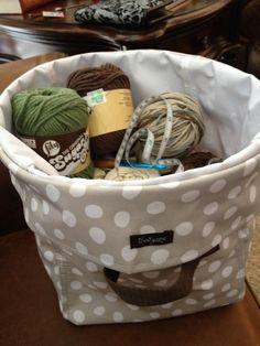 thirty-one mini utility bin as a yarn holder www.mythirtyone.com/JeannineW/