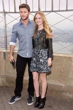 Scott Eastwood Photos - Britt Robertson And Scott Eastwood Visit The Empire State Building - Zimbio