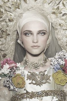 Vlada Roslyakova as the bride at Christian Lacroix | Haute Couture, Fall 2009