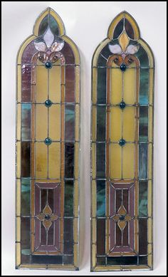PAIR OF STAINED GLASS WINDOWS. : Lot 1242032