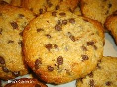 tahini, oat and honey cookies Healthy Bars, Healthy Cookies, Healthy Desserts, Easy Desserts, Delicious Desserts, Greek Recipes, Desert Recipes, Healthy Biscuits, Cookie Recipes