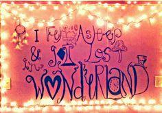 alice in wonderland #bedroom... :) i want one