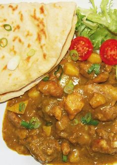 Everything you need to know about Roti, how to eat it. How not to eat it. Different Types of Roti for different people. Roti warnings and Recipes. Jamaican Roti Recipe, Roti Recipe Indian, Guyanese Recipes, Jamaican Dishes, Jamaican Recipes, Curry Recipes, Sauce Recipes, Drink Recipes, Dessert Recipes