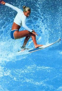Surfing holidays is a surfing vlog with instructional surf videos, fails and big waves Surfs Up, Surf Girls, Beach Girls, Fc Barcelona, Female Surfers, Pro Surfers, Sup Stand Up Paddle, Big Waves, Plein Air
