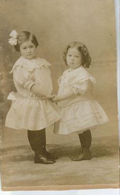 Two Sisters, Washington, 1907