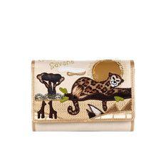 Cartera Cartoline B7542    Cartera dorada de ecopiel modelo B7542 de la línea Cartoline. Dibujo inspirado en la cálida Sabana africana. La cartera más chic para tu día a día. Diseñado por Braccilini.    (pvp.105,00€)