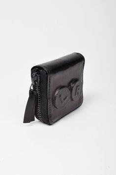 Natália Brilli Blink Contact Lens Leather Zip Case