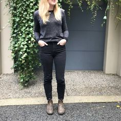 This shirt+necklace+pant combo! Winter Outfits, Summer Outfits, Casual Outfits, Cute Outfits, Fashion Outfits, Boot Outfits, Blundstone Boots Women, Trends, Fashion 2020