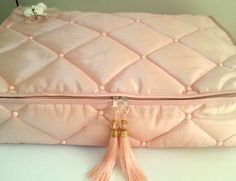 Cushions, Pillows, Luxurious Bedrooms, Bedding Sets, Embroidery, Luxury, Crafts, Bags, Wrapping