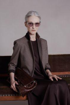 着飾るということ〜コンゴのサプール、NYのファッションアイコン アイリス・アプフェル|モードを愛する40代主婦、LuLuの日々。