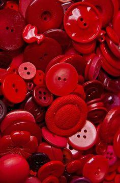 Botones rojos.